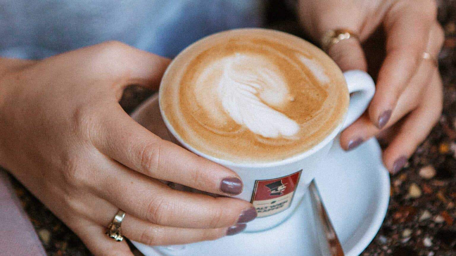DAS-RUND-GREEN-PRODUCING-COFFEE-FAIR-TRADE-1